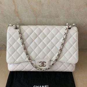 Chanel caviar single flap maxi